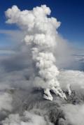御嶽山噴火 意識不明16人、負傷者多数
