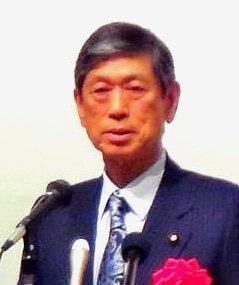 平和安全法制について講演する自民党の高村正彦副総裁=3日、自治会館