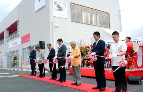 読谷村に複合型商業施設 開店