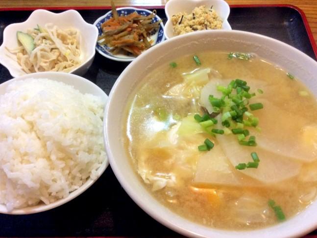 沖縄風味噌汁の新しい食べ方・TKG