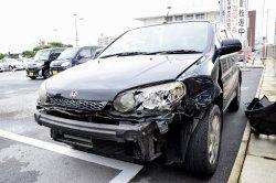 米兵が飲酒運転で事故を起こした車