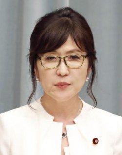 稲田朋美防衛相