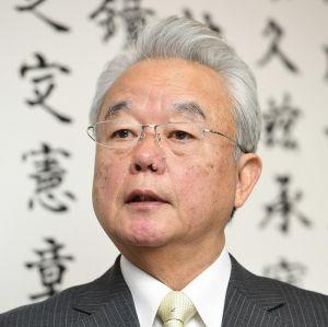 沖縄県の富川副知事