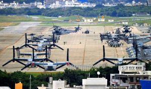 米軍普天間基地に駐機するオスプレイ=1月12日