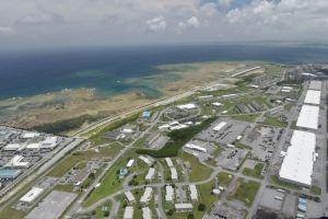 浦添市の米軍キャンプ・キンザーと西海岸(資料写真)