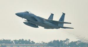 (資料写真)米軍のF15戦闘機