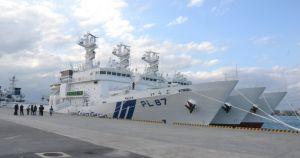 巡視船「たらま」「いけま」「いらぶ」=2015年12月、石垣港新港地区