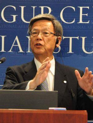 新基地建設計画の見直しを訴える翁長雄志知事=2日、米のジョージ・ワシントン大学