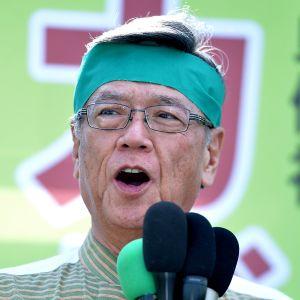 衆院選で応援演説をする翁長知事