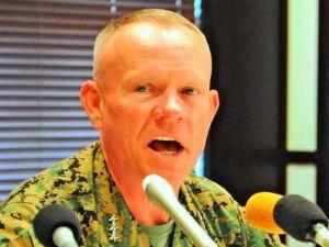 在沖米軍のトップを務めるローレンス・ニコルソン四軍調整官