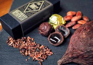 自家製の黒糖をガーナ産のカカオで包んだボンボンショコラ