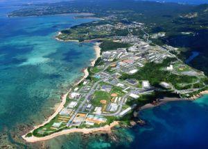 新基地建設が予定されているキャンプ・シュワブ沿岸部=7月22日、名護市辺野古(本社チャーターヘリから)