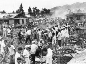 1959年6月30日に沖縄で米軍戦闘機が墜落。宮森小学校を巻き込んで児童や住民18人が死亡、210人が負傷した