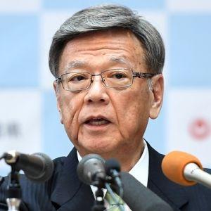 国が岩礁破砕許可申請の更新をしないことについて、会見で意見を述べる翁長雄志知事=16日、県庁