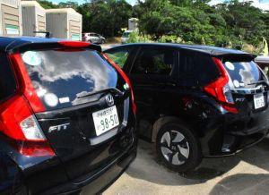 沖縄防衛局が約2カ月半、放置しているレンタカー=国頭・東村境