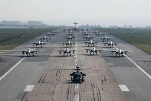 12日に米軍嘉手納基地で実施された、沖縄が攻撃された想定の訓練(米空軍提供・共同)