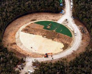 ヘリパッド建設が行われている米軍北部訓練場のG地区=12日、国頭村安波(本社チャーターヘリから)